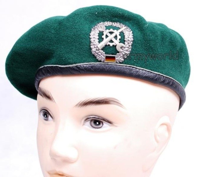 Military Beret Bundeswehr Green With Decoration of Repair Service Original Demobil
