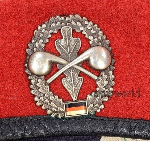 Military Beret Bundeswehr Coral-coulored With Decoration of Chemical Services Original Demobil
